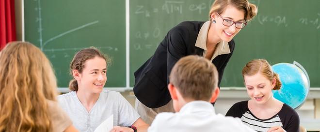 Giáo viên có ấn tượng không tốt về bạn, đâu là cách tháo gỡ? - Ảnh 1.