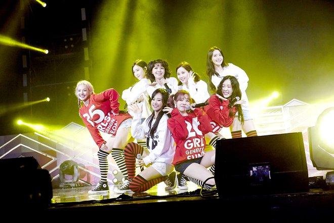 Top 10 girlgroup có doanh số trực tuyến khủng nhất lịch sử Kpop - Ảnh 1.