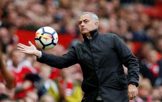 Mourinho sẵn sàng ký hợp đồng siêu khủng với MU - Ảnh 1.
