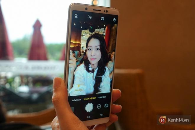 Đánh giá chi tiết Vivo V7+: Thiết kế viền mỏng đẹp, chất lượng camera selfie tốt, giá 8 triệu đồng! - ảnh 13