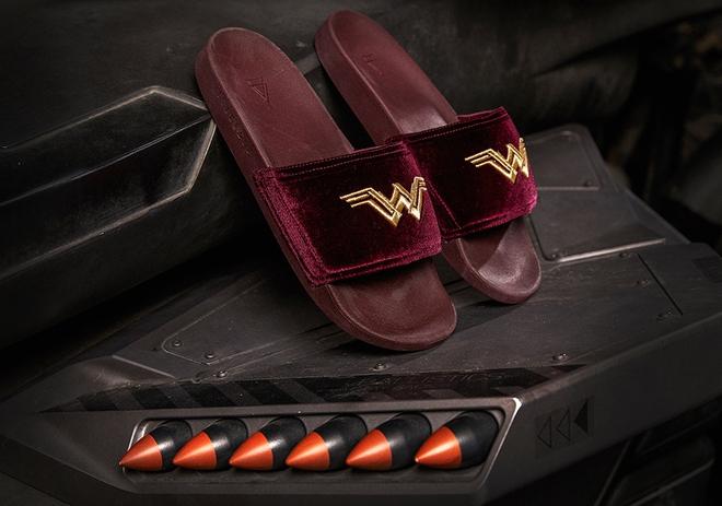 Puma hợp tác cùng Warner Bros và nhà bán lẻ giày Shoe Palace, cho ra mắt BST cực đỉnh lấy cảm hứng từ Justice League - Ảnh 6.