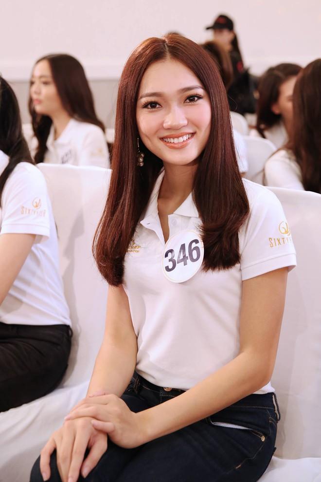 Khuôn mặt đẹp nhưng chỉ cao 1m65, lại kém tiếng Anh, cô nàng này sẽ làm nên chuyện tại Hoa hậu Hoàn vũ VN? - Ảnh 2.
