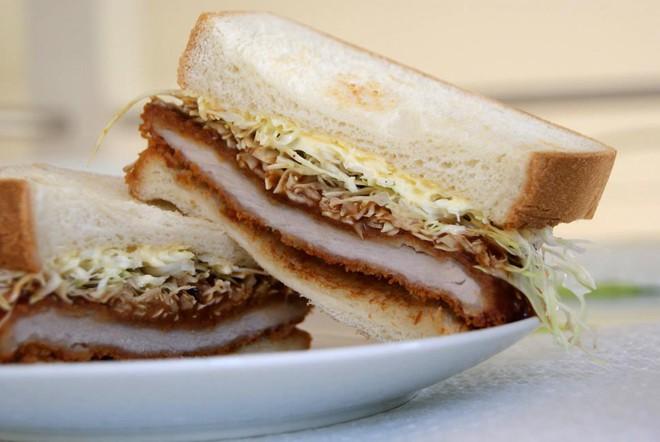Báo chí nước ngoài ngợi khen bánh mì Việt Nam, xếp hạng trong top 10 món sandwich ngon nhất thế giới - Ảnh 6.