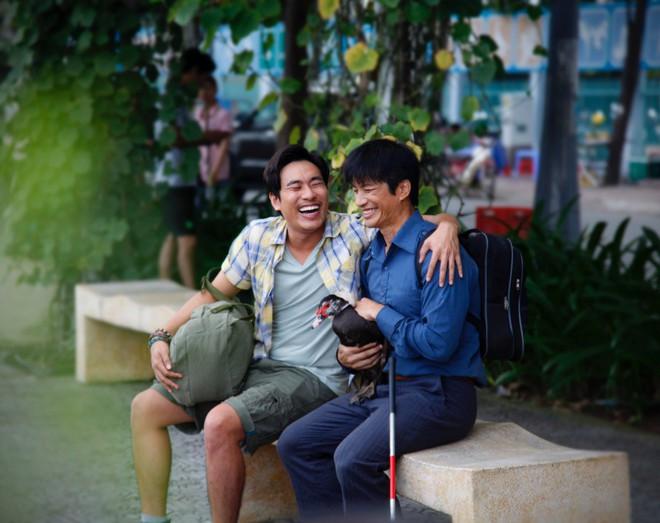 Kiều Minh Tuấn, Dustin Nguyễn, Thu Trang và con vịt lập băng số má - Ảnh 4.
