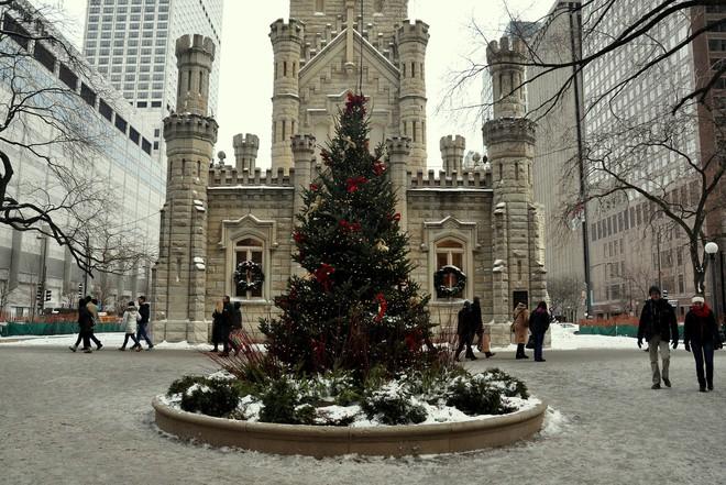 Khung cảnh đón Giáng sinh sớm ở nhiều nơi trên khắp thế giới: Lộng lẫy, nguy nga và ấm áp - ảnh 8