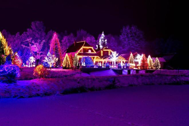 Không khí Giáng sinh ngập tràn trên toàn thế giới - ảnh 17