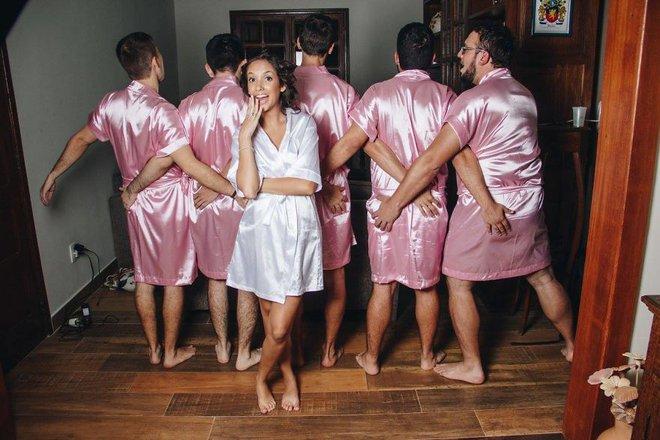 Khi cô dâu nhận ra mình chẳng có cô bạn gái nào và phải huy động anh em đến làm phù dâu - ảnh 11