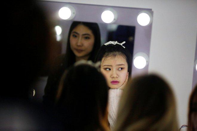 Nền công nghiệp hái ra tiền mới cho giới trẻ Trung Quốc: Chỉ cần livestream, có ngay vài chục triệu - Ảnh 10.