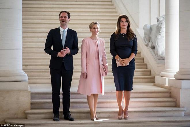 Giữa dàn Đệ nhất phu nhân tài sắc, chồng của Thủ tướng Luxembourg mới thực sự là tâm điểm gây chú ý - Ảnh 4.