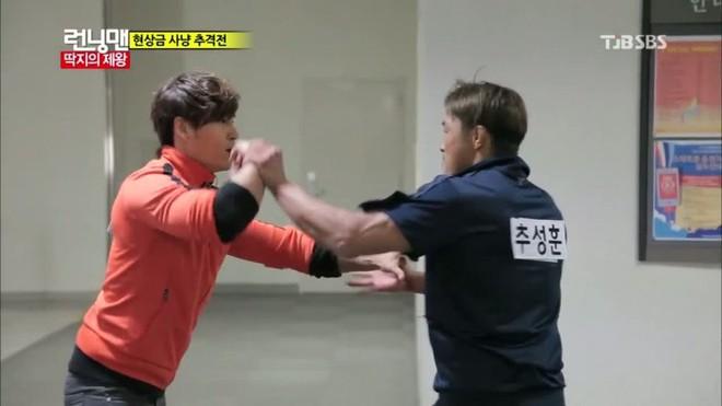 Ai đã từng biến Kim Jong Kook thành kẻ bại trận tại Running Man? - ảnh 5