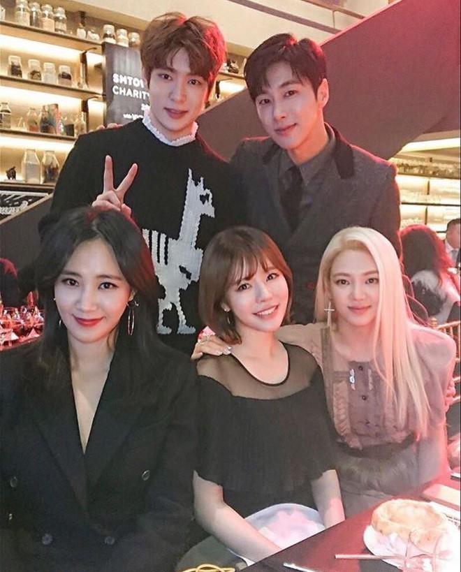 Em út Seo Hyun tiết lộ các thành viên SNSD vẫn thường xuyên gặp nhau - Ảnh 3.