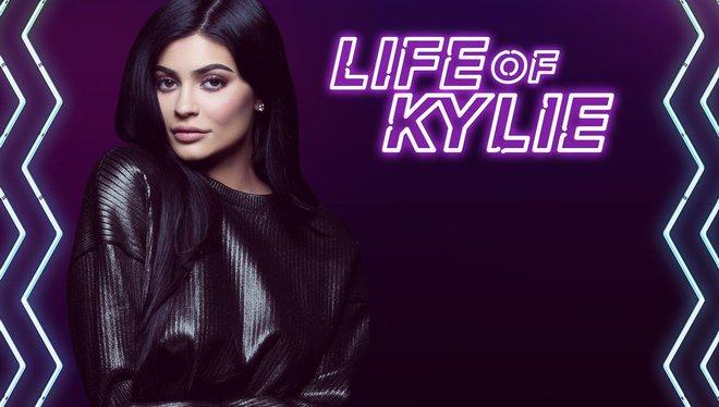Vì sao Kylie Jenner có thể thành tỷ phú USD giàu sụ ở tuổi 25 chỉ nhờ sự nổi tiếng và thị phi? - Ảnh 24.
