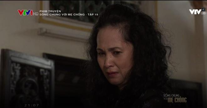 """""""Sống chung với mẹ chồng"""" tập 19: Cuối cùng thì bà Phương cũng khóc nghẹn và xin lỗi mẹ chồng!! - Ảnh 4."""