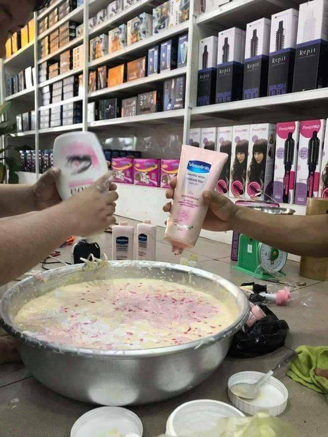 Loạt ảnh sản xuất kem trộn tại gia gây xôn xao mạng xã hội Thái Lan 4