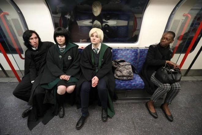 Harry Potter đã bước sang tuổi 20: Hành trình 2 thập kỷ của cuốn sách từng nhiều lần bị chối bỏ - Ảnh 3.