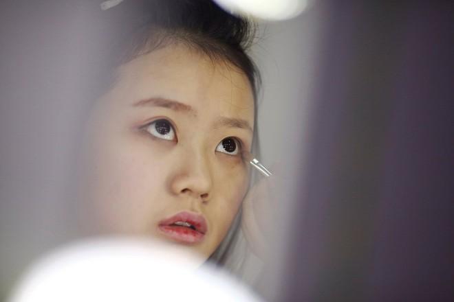 Nền công nghiệp hái ra tiền mới cho giới trẻ Trung Quốc: Chỉ cần livestream, có ngay vài chục triệu - Ảnh 4.