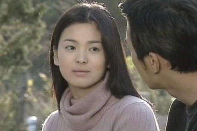 19 năm nhìn lại nhan sắc của Song Hye Kyo: Thì ra đây là lý do tường thành mãi không thể bị đạp đổ - Ảnh 4.