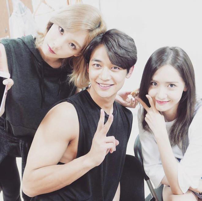 Em út Seo Hyun tiết lộ các thành viên SNSD vẫn thường xuyên gặp nhau - Ảnh 4.