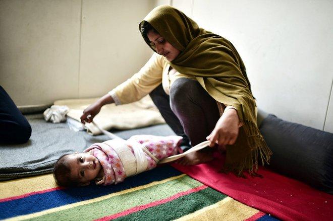 Nếu ánh mắt đứa trẻ biết nói, chúng sẽ nói về nỗi khổ của cuộc đời tị nạn không biết đến niềm vui 5