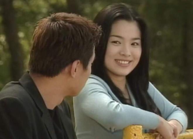 19 năm nhìn lại nhan sắc của Song Hye Kyo: Thì ra đây là lý do tường thành mãi không thể bị đạp đổ - Ảnh 5.