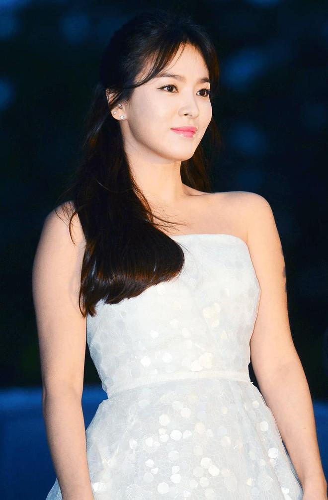 19 năm nhìn lại nhan sắc của Song Hye Kyo: Thì ra đây là lý do tường thành mãi không thể bị đạp đổ - Ảnh 44.