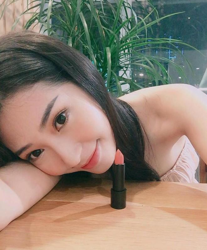 Mỹ nữ Showbiz Việt phát sốt với dòng son môi mới - Ảnh 6.