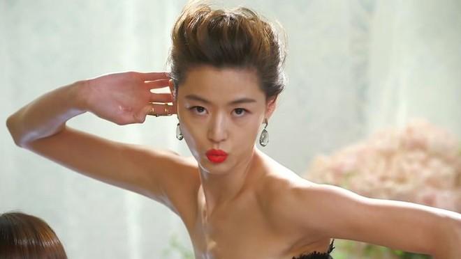 Tạo dáng thảm đỏ bá đạo như mỹ nhân Hàn Quốc này thì kiểu gì chả hot! - Ảnh 7.
