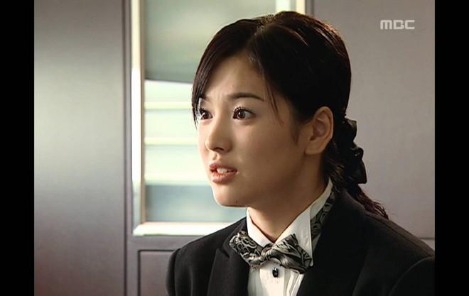 19 năm nhìn lại nhan sắc của Song Hye Kyo: Thì ra đây là lý do tường thành mãi không thể bị đạp đổ - Ảnh 8.