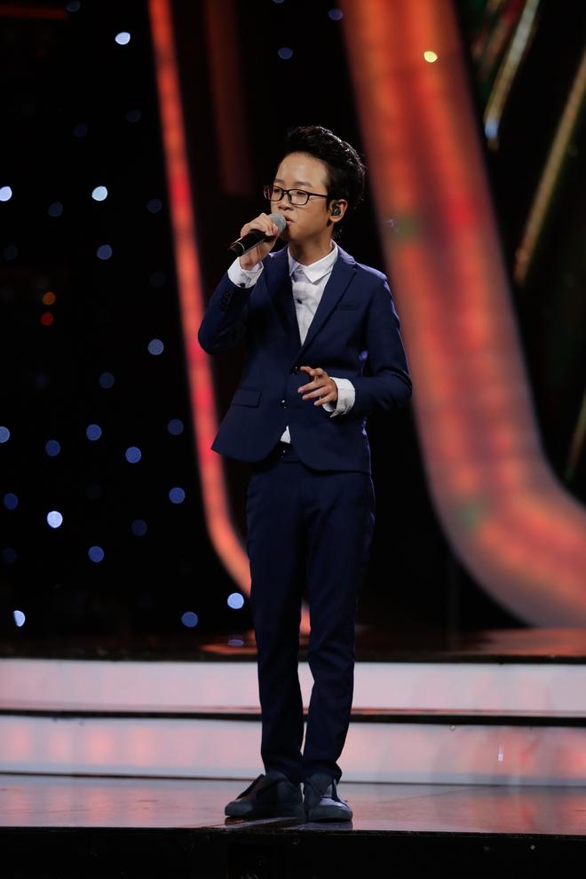 Vietnam Idol Kids: Hoàng tử Bolero bất ngờ chuyển sang hát nhạc Phan Mạnh Quỳnh - Ảnh 5.
