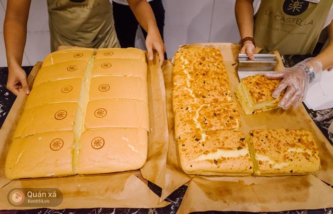 """Bánh bông lan phô mai - """"món lạ quen thuộc"""" đang đại náo phố đi bộ Nguyễn Huệ - Ảnh 6."""