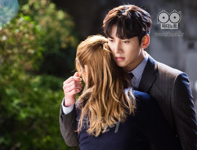 """Ji Chang Wook và Nam Ji Hyun """"tình bể bình"""" từ phim ảnh ra đời thật - Ảnh 6."""