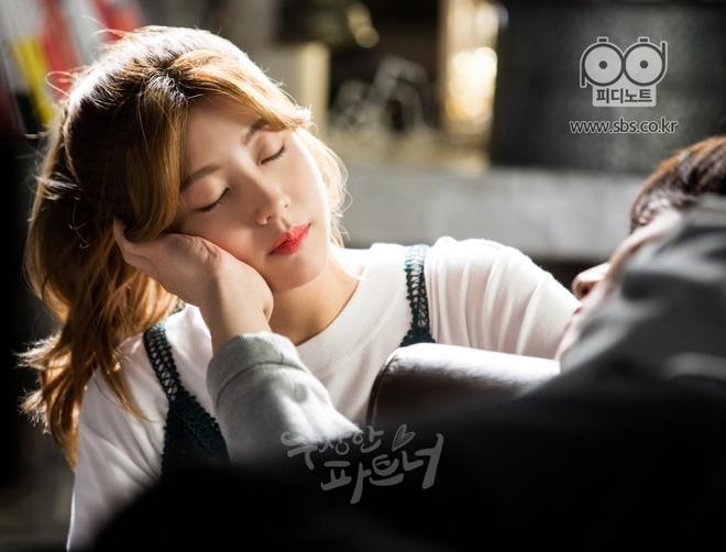"""Ji Chang Wook và Nam Ji Hyun """"tình bể bình"""" từ phim ảnh ra đời thật - Ảnh 3."""
