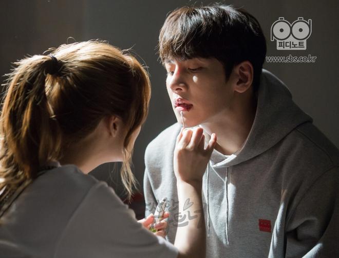 """Ji Chang Wook và Nam Ji Hyun """"tình bể bình"""" từ phim ảnh ra đời thật - Ảnh 4."""