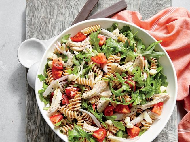 Ăn salad không chỉ đẹp da mà còn chứa nhiều công dụng thần kỳ rất tốt cho sức khỏe - ảnh 1