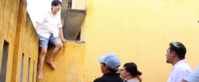 Miu Lê, Ngô Kiến Huy leo tường trốn học trong Cô gái đến từ hôm qua - Ảnh 4.