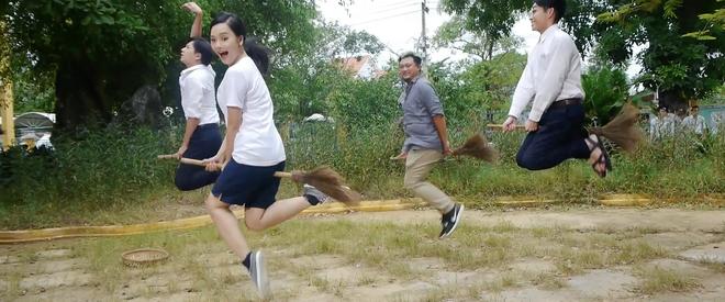 Miu Lê, Ngô Kiến Huy leo tường trốn học trong Cô gái đến từ hôm qua - Ảnh 3.