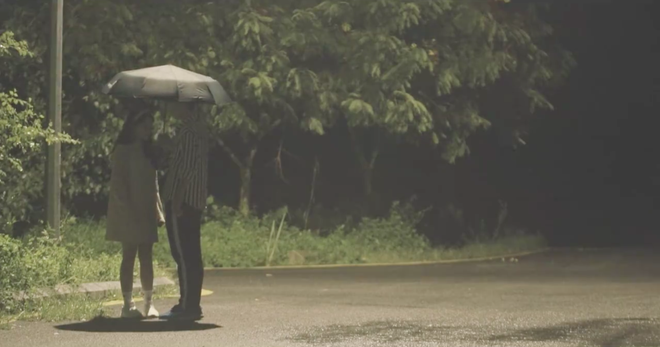 Quay MV cover Em gái mưa, Linh Ka nhận gạch vì chỉnh giọng quá nhiều - Ảnh 8.