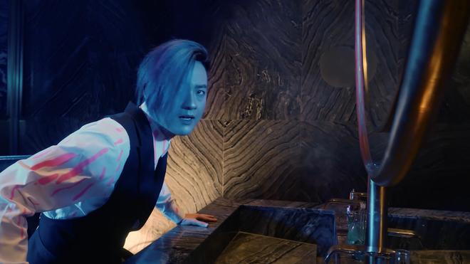 Thanh Duy hoá thân thành siêu anh hùng chiến đấu với zombie tại lâu đài triệu đô của Khải Silk - Ảnh 6.