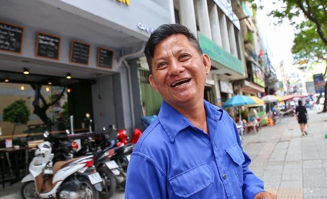 Người bán hàng rong ở Sài Gòn nói gì về đề xuất cho thuê vỉa hè với giá 100 nghìn đồng mỗi m2? - Ảnh 6.