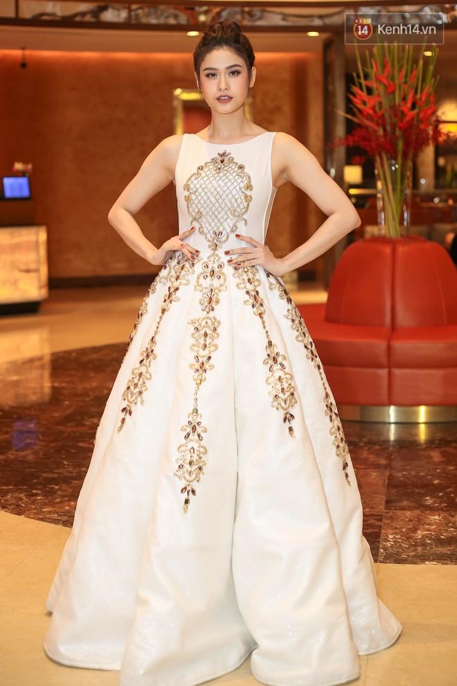 Diện trang phục giản dị, Xa Thi Mạn vẫn vô cùng xinh đẹp trong sự kiện của Lý Nhã Kỳ - Ảnh 8.