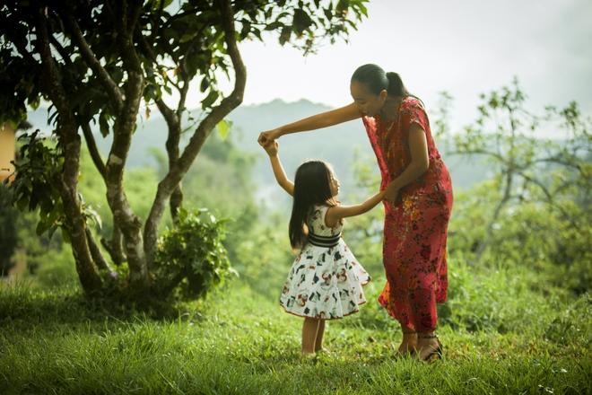 Con gái Đoan Trang quá xinh đẹp và đáng yêu trong MV cùng mẹ ra mắt ngày 1/6 - Ảnh 5.