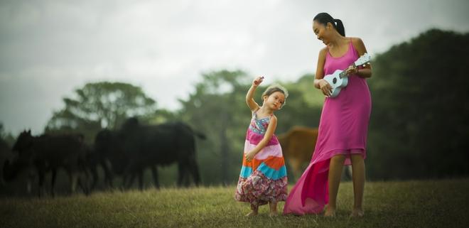 Con gái Đoan Trang quá xinh đẹp và đáng yêu trong MV cùng mẹ ra mắt ngày 1/6 - Ảnh 3.