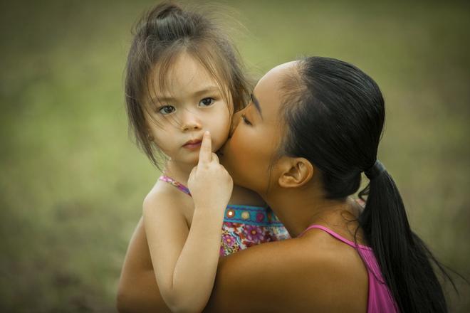 Con gái Đoan Trang quá xinh đẹp và đáng yêu trong MV cùng mẹ ra mắt ngày 1/6 - Ảnh 2.