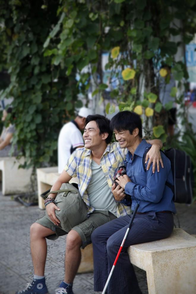 Kiều Minh Tuấn, Dustin Nguyễn, Thu Trang và con vịt lập băng số má - Ảnh 5.