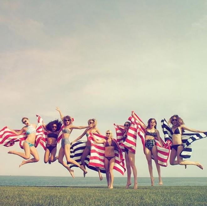 Muốn gia nhập hội bạn thân sang chảnh của Taylor Swift, bạn phải bỏ ra chi phí bao nhiêu? - Ảnh 8.