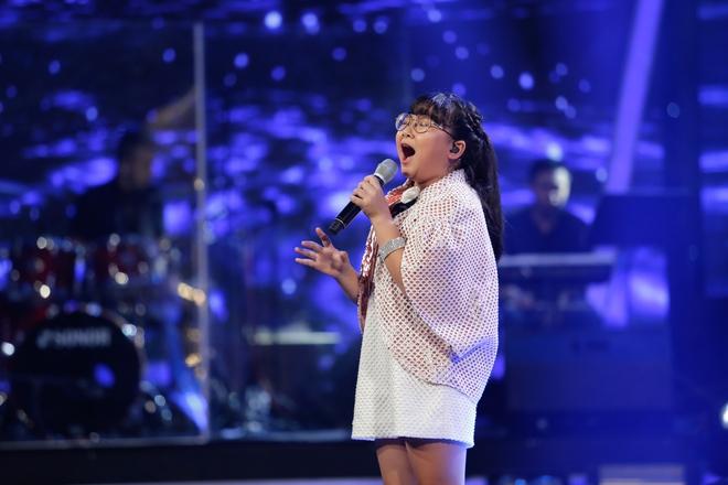 Vietnam Idol Kids: Hoàng tử Bolero bất ngờ chuyển sang hát nhạc Phan Mạnh Quỳnh - Ảnh 13.