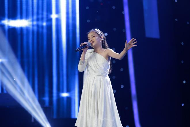 Vietnam Idol Kids: Hoàng tử Bolero bất ngờ chuyển sang hát nhạc Phan Mạnh Quỳnh - Ảnh 7.
