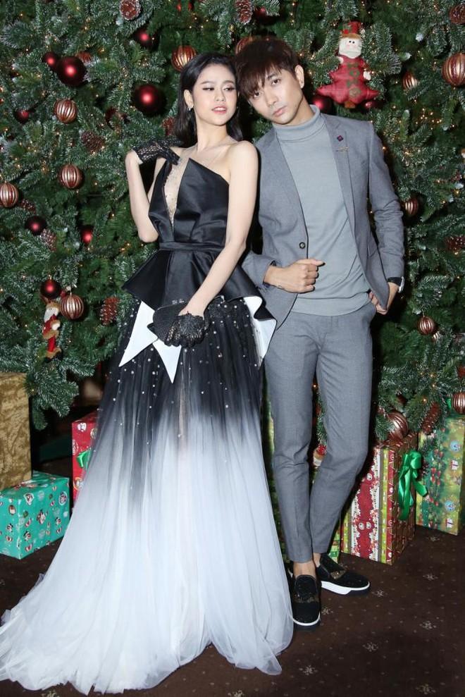 Trương Quỳnh Anh - Tim chăm diện thời trang ton-sur-ton nhất mỗi khi song hành trên thảm đỏ- Ảnh 10.