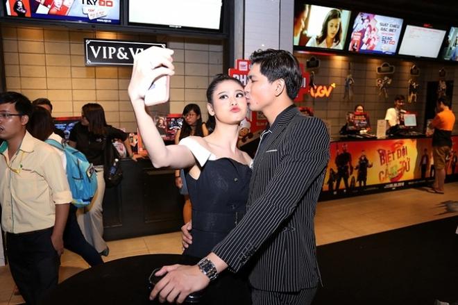 Trương Quỳnh Anh - Tim chăm diện thời trang ton-sur-ton nhất mỗi khi song hành trên thảm đỏ Ảnh 15.