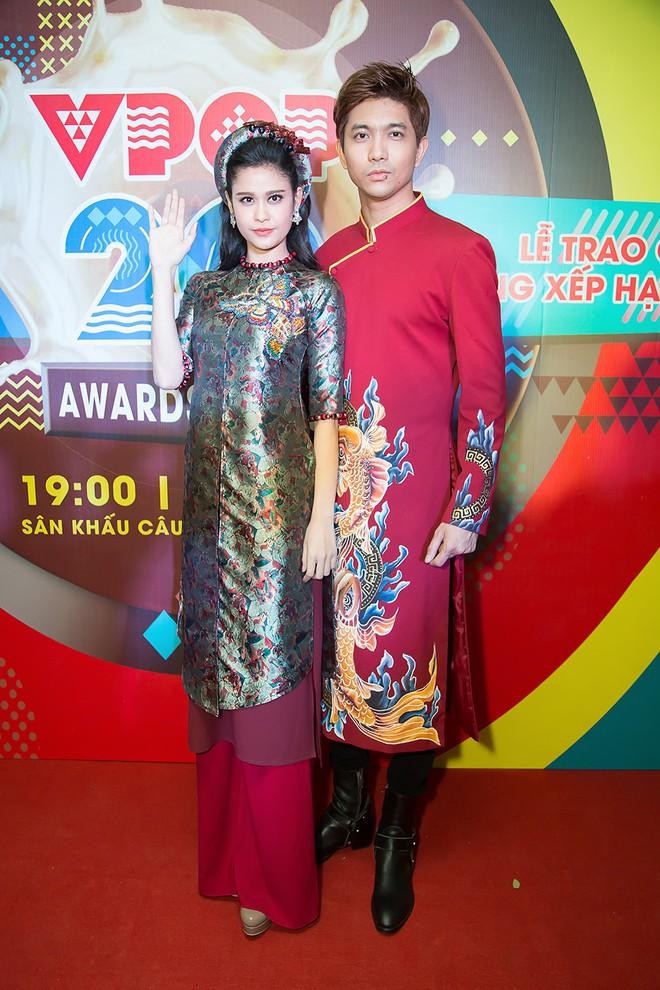 Trương Quỳnh Anh - Tim chăm diện thời trang ton-sur-ton nhất mỗi khi song hành trên thảm đỏ - Ảnh 14.